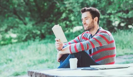 読書は健康にいい?読書と健康の研究