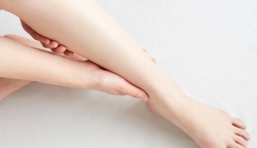 【貧乏ゆすり健康法】貧乏ゆすりで脚のむくみ改善できる?むくみの原因予防法とは